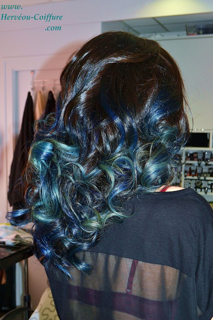 Tie and dye bleu vert turquoise r alis au salon for Tie and dye prix salon