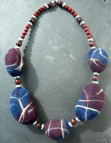stone felt jewery blue red by nnvilt