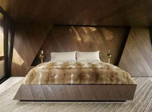Tête de lit simple mais caractéristique dans chambre au design minimaliste