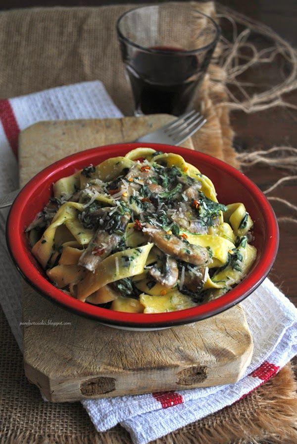 Pane, burro e alici: Fettuccine con funghi, spinaci e mascarpone
