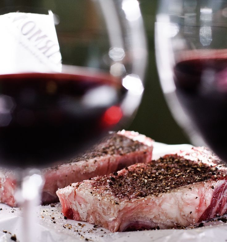 3 Wine choices to pair with your next steak dinner  Red meat pairs best with a fine red wine, whether you're enjoy steak that's been marinated in fresh herbs, barbecued or braised. When pairing wine with steak, it's important to consider the cut — whether it's a rib-eye or New York strip — as well as the level of doneness and any sauce served with the steak. Here are three excellent wine choices to pair with your next steak, along with some recommendations for . . .