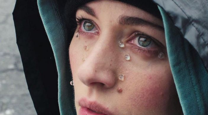 """Chairlift Unveils Tearful """"Crying in Public"""" Video"""