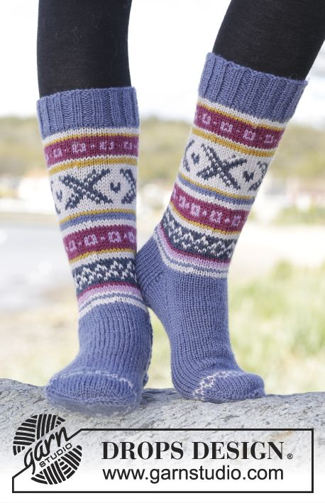 Dagens gratisoppskrift: Moon Valley Socks | Strikkeoppskrift.com