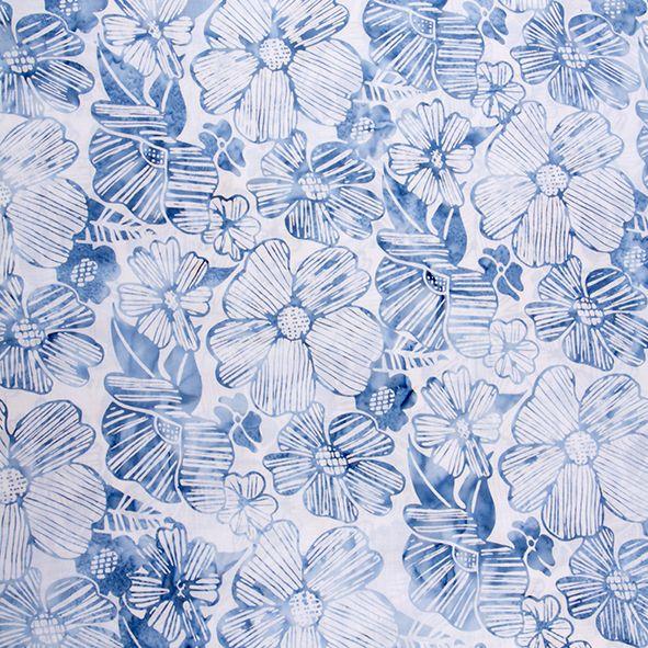Bavlněná látka Batika Bali květy modro-bílé BB