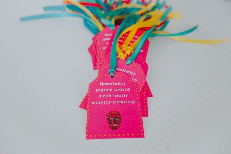 Colorful wedding tags #pinkwedding#pinktags#weddingdecorations#weddingideas#alcoholfavor