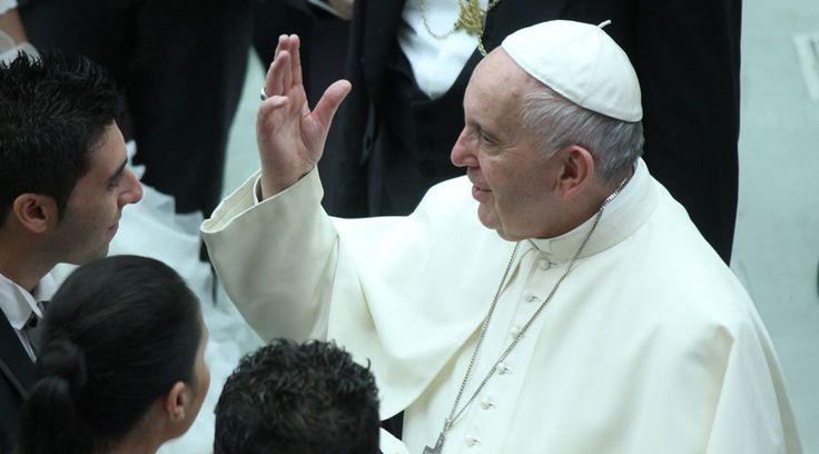 Siguiendo con sus catequesis sobre la familia, el Papa Francisco aseguró que el trabajo es sagrado y que expresa la dignidad de la persona humana y fortalece fundamentalmente a la institución familiar.