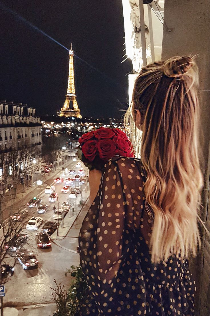 Nights at the Eiffel Tower I Paris: http://www.ohhcouture.com/2017/03/monday-update-45/ #ohhcouture #leoniehanne