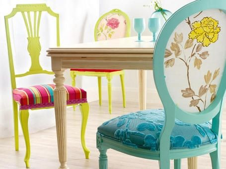 pretty upholstery on dining chairs