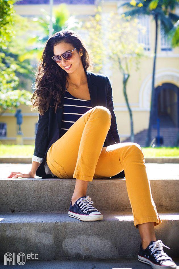 gosto de me vestir bem básica, porém de maneira harmoniosa, que me faça sentir bem com que vejo e sinto.