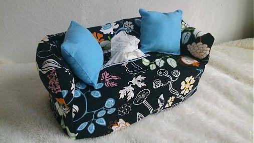 Wesega / Čierny s vtáčikmy-dekoračný obal na papierové vreckovky