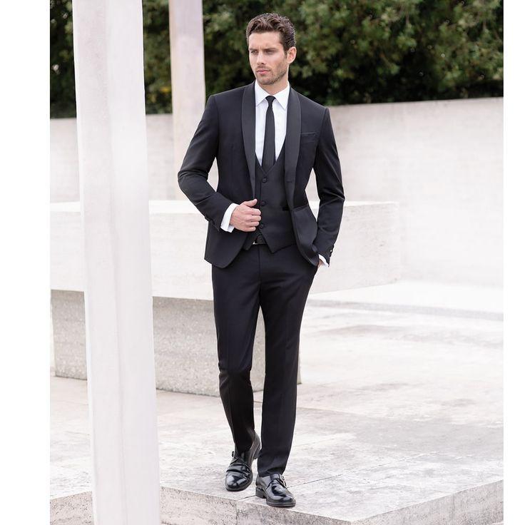 Mod: L14DL  -  Art: 867132 col. 99 COORDINATO CERIMONIA Mod: L3428  -  Art: 898878 col. 1 GILET & PAPILLON #abiti #cerimonia #Primavera #spring #Estate2017 #fashion #italianstyle #stileitaliano #moda #matrimonio #wedding  #lebole #leboleuomo #vscofashion #menswear #fashionblogger