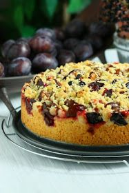 Angie's Recipes . Taste Of Home: Streusel Damson Plum Cake / Zwetschgendatschi