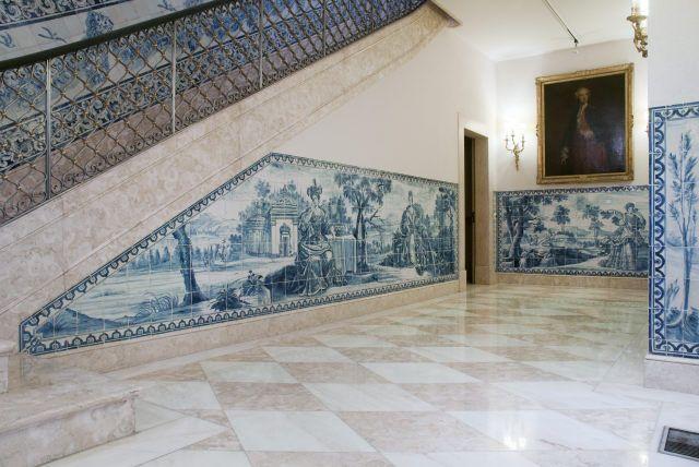 Lisboa | Casa-Museu / House-Museum Medeiros e Almeida | galeria de baixo / lower gallery [© Inês Aguiar] #Azulejo #CasaMuseuMedeirosEAlmeida #AzulEBranco #BlueAndWhite #Barroco #Baroque