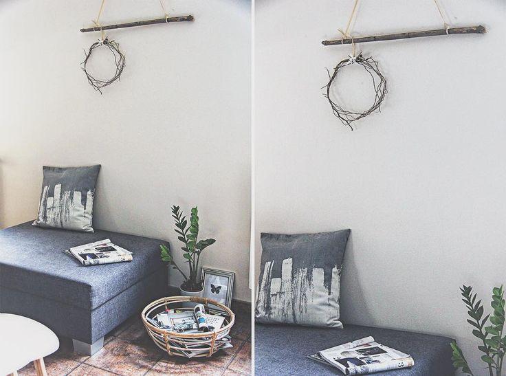 Snad byl Váš dnešní pracovní den minimalistický minimálně jako můj jarní věnec. Najdete jej na blogu. Krásný prodloužený víkend! 🌷#jaro #venec #dekorace #naposlednichvili #velikonoce #domov #bydleni #home #house #living #interior #interiordesign #homedesign #styling #decoration #myhome #ilovemyinterior #interior4you #inspiration #bydleni #interier #domov #tadybydlim #homepixcz #easter #spring #wreath #ted_a_tady