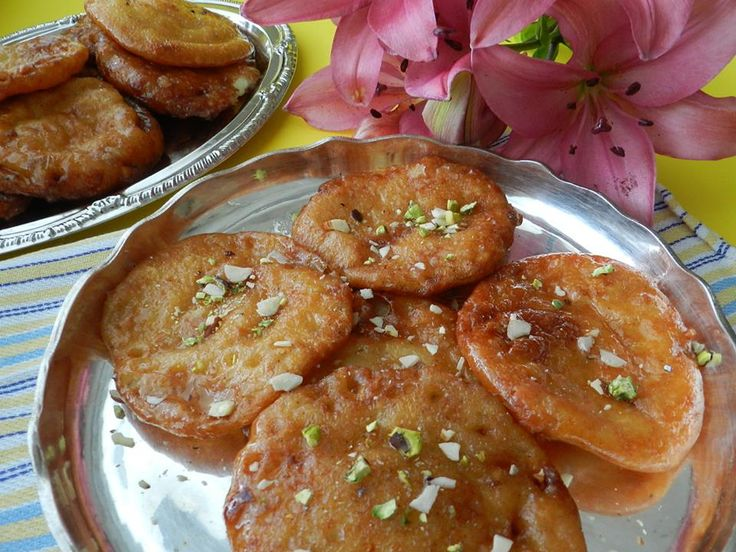 #Bhimtal Cuisine: Maalpua, It's one of the popular sweet desserts. It's delicious and savoury..