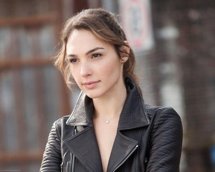 Celebrity Wear Leather Jackets: Style Yourself By Wearing ...