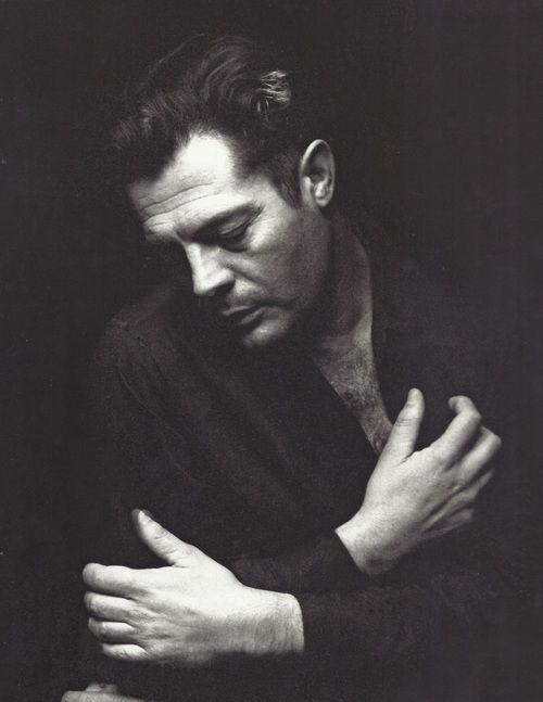 Marcello Mastroianni, Algeria, 1967, photo by Pierluigi Praturlon