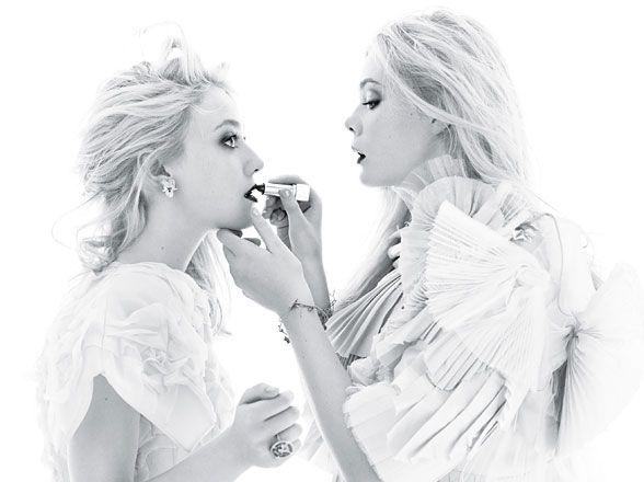 The Fabulous Fanning sisters—Dakota and Elle