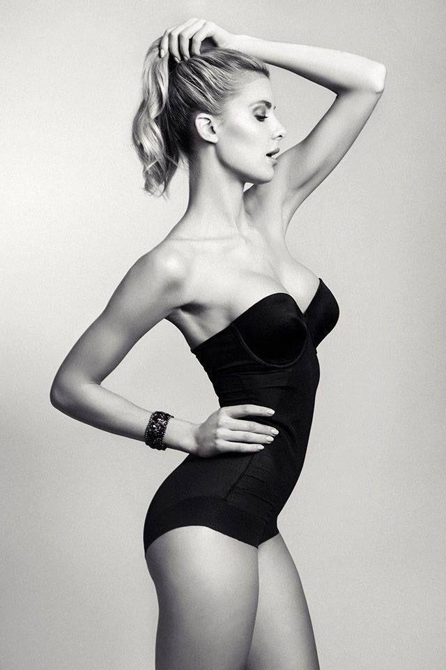 Fotograaf:Ron de Wildt Model:Ilena Ingwersen Mua/Hair:Danielle Trilsbeek Styling:Sylvia Harding