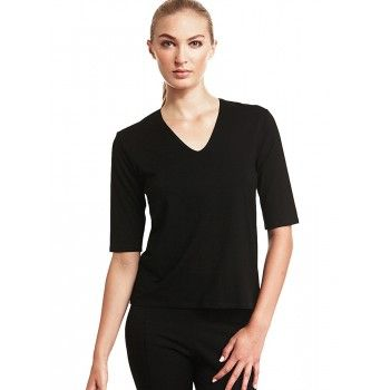 Mela Purdie Elbow Top Every wardrobe needs a classic V top. The elbow length sleeve gives this style icon a fashion edge whilst remaining flattering and timeless. The top sits on the upper hip, has a subtle V neckline and is great for all shapes and sizes.  #melapurdie  #redworks