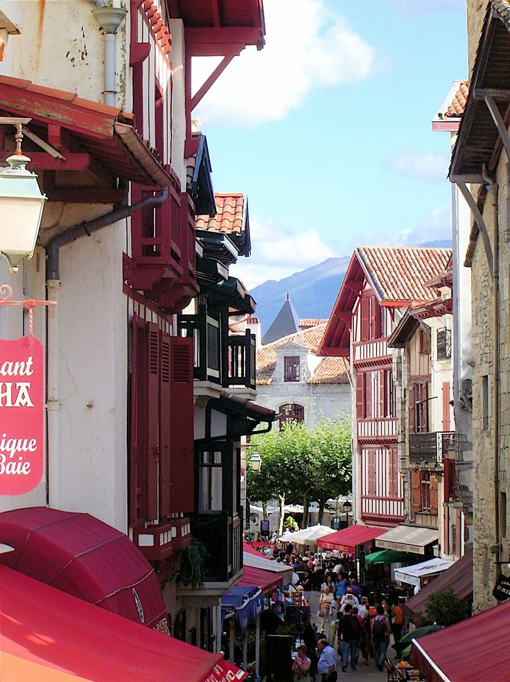 Discovering the storybook village of Saint Jean de Luz.