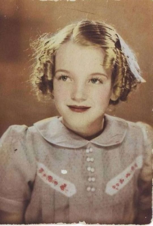 A very young Marilyn Monroe