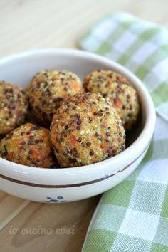 Le polpette di quinoa e carote sono delle polpettine vegetariane, cotte in forno, quindi più leggere, ma croccanti fuori e saporite.