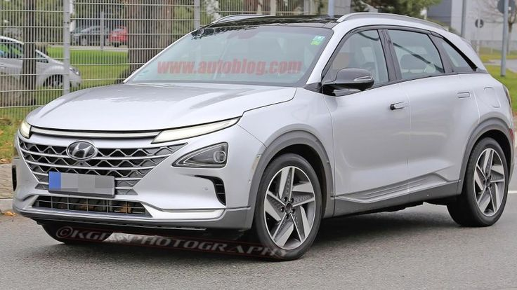 Hyundai hydrogen fuel-cell SUV spied nearly naked