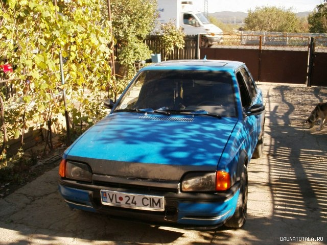 Ford Escort Exclusive Crash De Vanzare