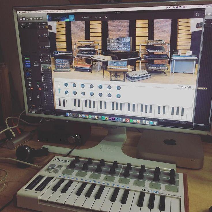 Sii estrenando el arturia lab 2 #arturia #edm #ebm #electro #rock #exgod #music #producer