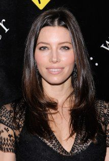 Jessica Biel, could you please put on weight and play mum-of-four Karen?