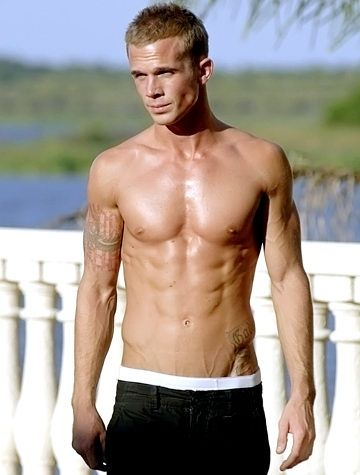 bCam Gigandet: Shirtless hot/bbrbr Hes the bad boy Volchok who got Marissa killed on The O.C., but were not holding that against Twilights latest eye candy.