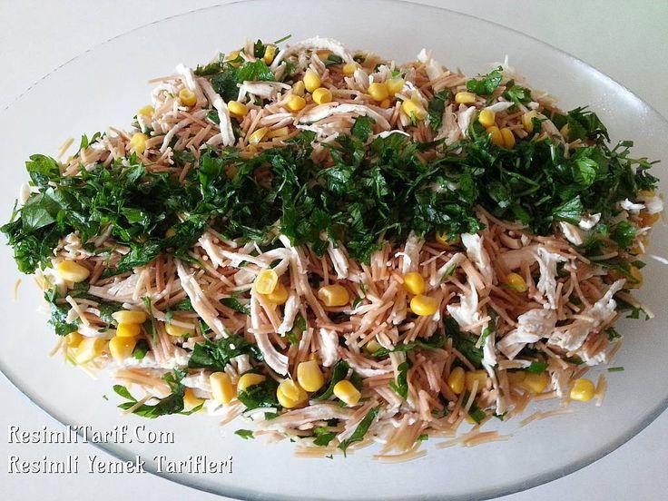 Bugün misafirlerime yaptım keyifle yedik. Yapmadıysanız mutlaka deneyin çok beğeneceğiniz bir salata, Afiyet olsun.