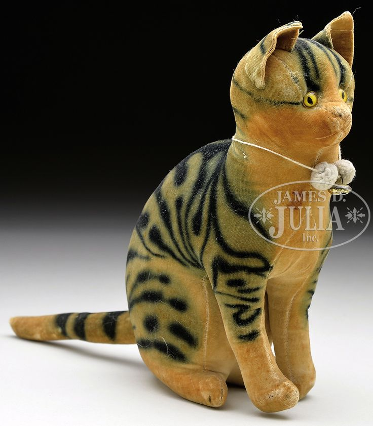 UNUSUALLY LARGE STEIFF VELVET RATTLE CAT WITH BUTTON. 1906