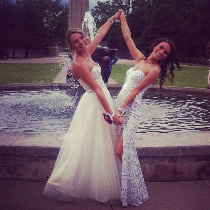 Prom best friend pose #bestfriendprompictures