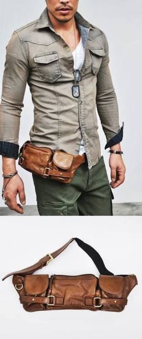 339a8c22d1 Pochete masculina de couro marrom