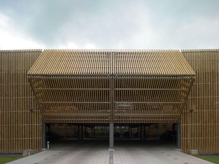 Estacionamento da sede Ernsting / Birk Heilmeyer und Frenzel Architekten