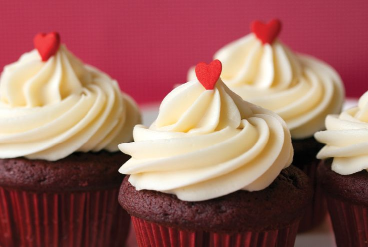 Recipe for Red Velvet Cupcakes from Trophy! - Trophy Cupcakes and Parties by Jennifer Shea - How to pipe frosting tutorial - Starling Agency Seattle