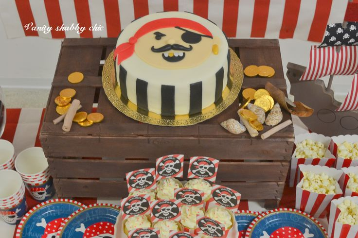 Cake pirate party