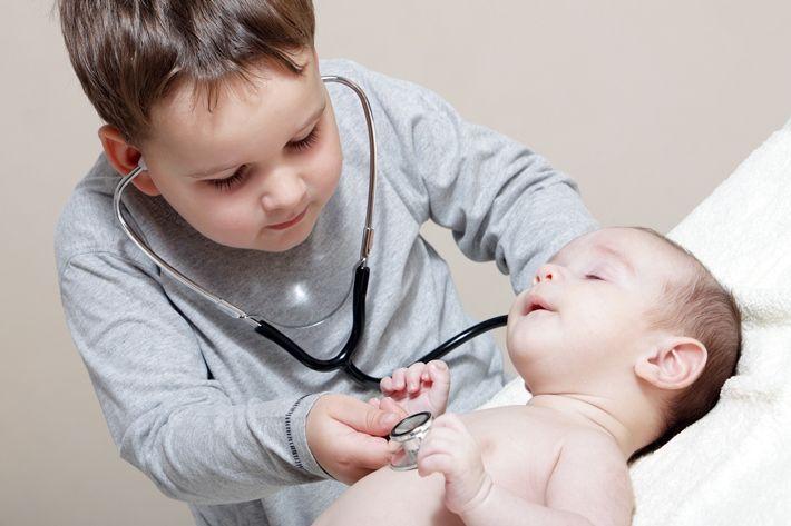 Παιδίατρος. Συνήθη συμπτώματα που ανησυχούν τους γονείς