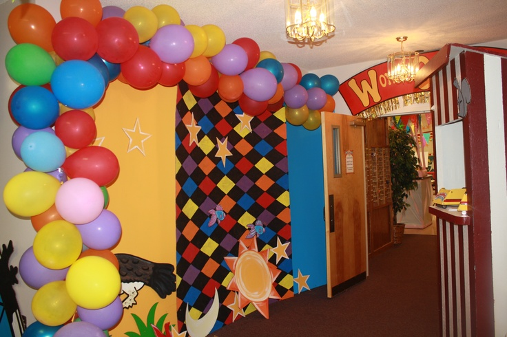 Hallway Decorations White Balloon Arches Like At Prom