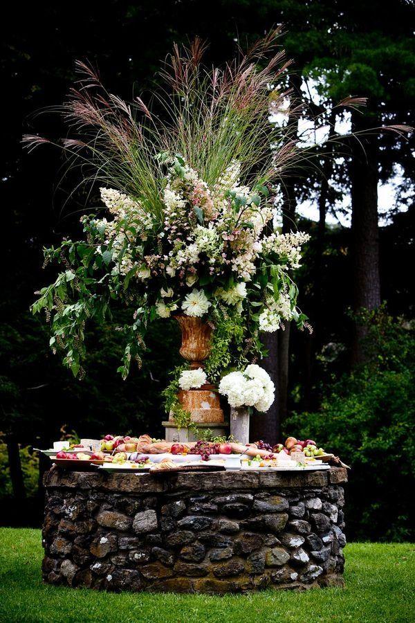 Amazing outdoor buffet table arrangement
