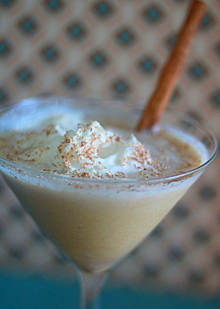 Pumpkin Pie Martini | Kitchen Treaty.....I'm thinking I should look into making this at work!!