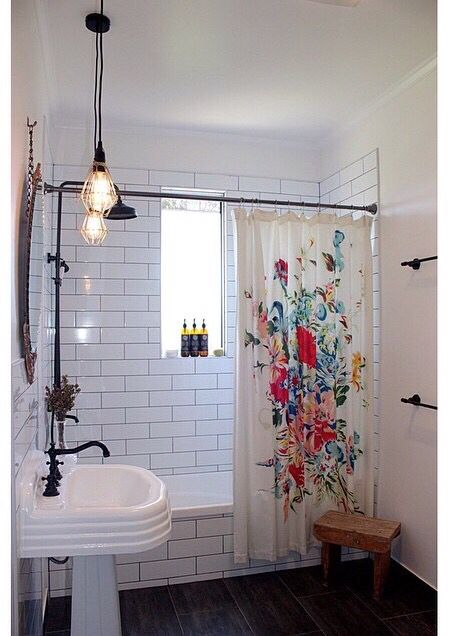 OBSESSED with this floral shower cutrain. Inexpensive but bold! #bathroom #showercurtain