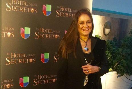 La también actriz acaba de estrenar su álbum \'La Voz del Corazón\' y vuelve a las telenovelas en \'El Hotel de los Secretos\'.