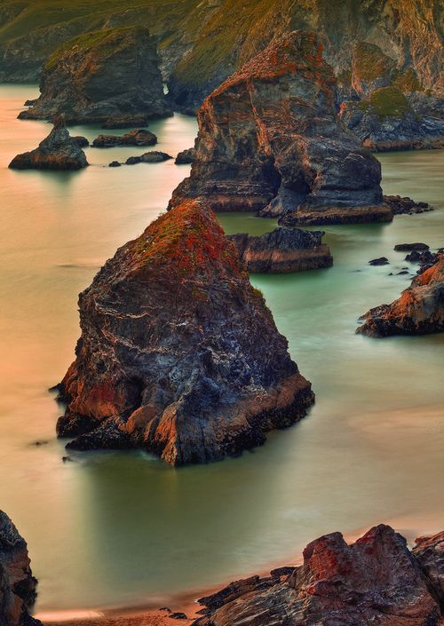 Bedruthan Steps at Sunset, North Cornwall (by Steve Thompson images)