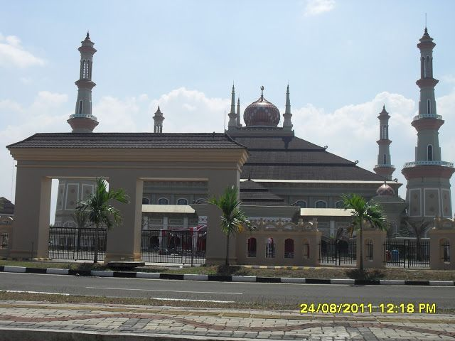 [Lokasi#1] Masjid Agung Kawasan Pusat Pemerintahan Provinsi Banten (KP3B) http://www.kotaserang.com/2013/06/Lokasi-Masjid-Agung-Kawasan-Pusat-Pemerintahan-Provinsi-Banten-KP3B.html