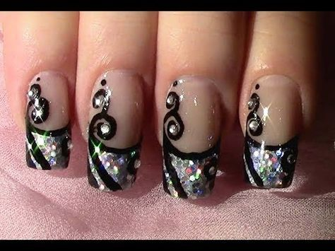 Silvester Nageldesign zum selber machen / New Year's Eve Nail Art Design Tutorial - YouTube So cool to watch her do her nails. Check out this video!
