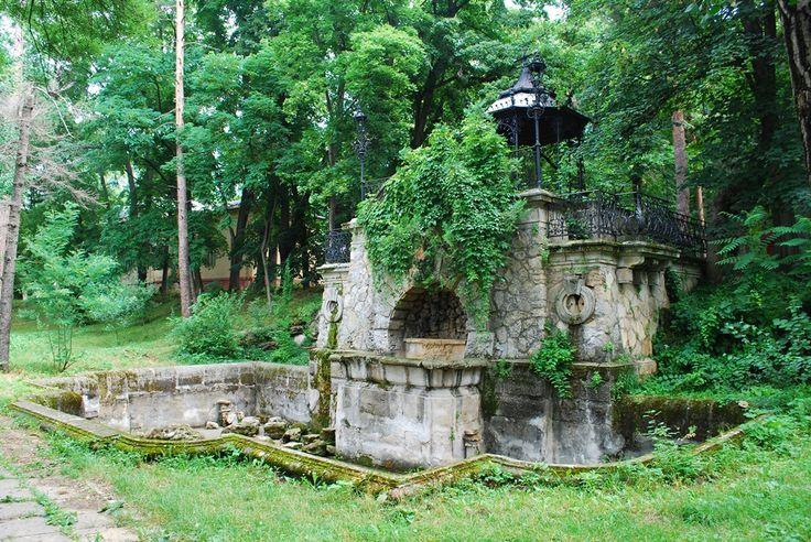 sarata-Monteoru-2-_fountain.jpg (1000×669)