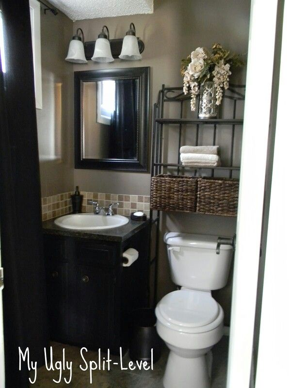beautiful bathroom idea for 1/2 bathroom